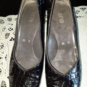 Ara heels
