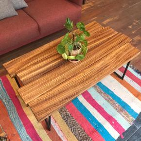 Unik sofabord i Zebrano-træ 😍 Mål: 108L x 57B x 45H cm
