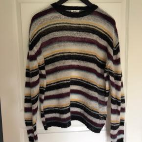 Lækker sweater - som ny.