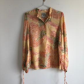 FEEL FREE TO MAKE A BID  Baum Und Pferdgarten AW20 collection Blouse Size 36  New price: 1.299,00 kr