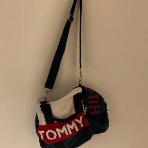 Tommy Hilfiger Skuldertaske