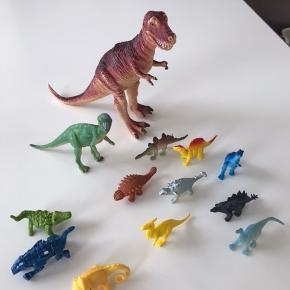 Dinosaurer, Fisk, bondegårdsdyr og vilde dyr - sønnen gider ikke dyr, så kom med nogle bud til han sparegris 😀 Sønderrris