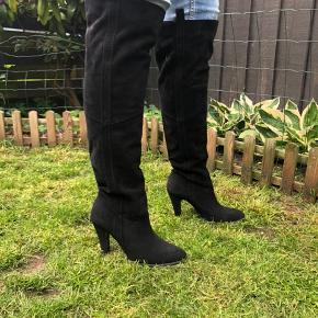 a437d51f4db Super smarte overknee støvler fra Bianco, brugt 1 gang - ingen hakker i  hælen.
