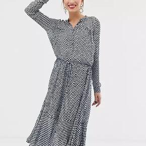 Custommade anden kjole & nederdel