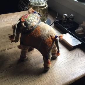 Elefant lavet af gamle indiske sari