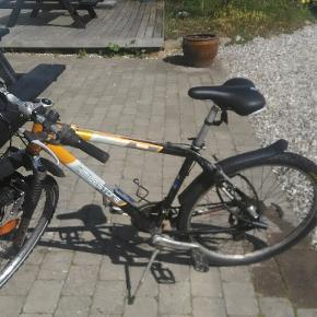 Det er en god cykel med Nyt sæde, pedaler, gear, håndbremser og dæk skriv gerne hvis du vil se den og skal afhentes i odder 😊😊