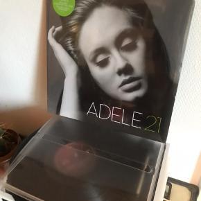 Adele LP. Aldrig åbnet.   Køber betaler porto eller afhenter i Hvidovre 💕