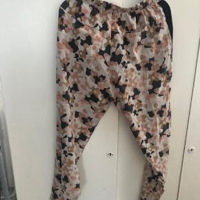 Fede løse bukser