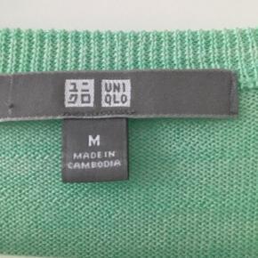 Sælger denne mint grønne sweater. Den er brugt 3 gange. Np: 300