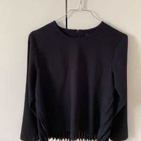 Fineste bluse fra Birgitte Herskind. Falder rigtig flot. Modellen hedder Fila.