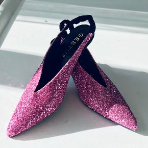 Gestuz heels