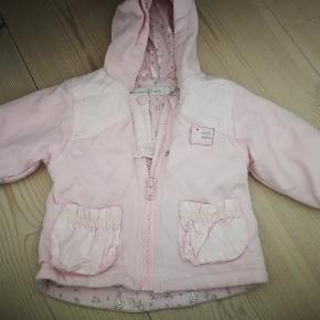 Rigtig fin overgangs jakke.  Str 62.  Fra name it.  Kan sendes + porto.