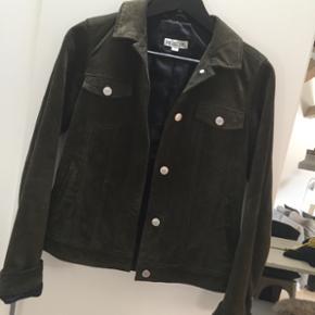 Ruskinds jakke fra Meotine, 1500kr fra ny, brugt 5 gange - ingen brugsspor :-) Byd gerne 🙋🏼 Str S
