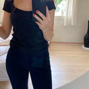 Fine flare bukser i mørkeblå fra Mango i str. 38☺️