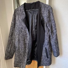 Flot jakke, perfekt til forår og efterår.