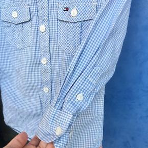 Flot skjorte fra Tommy Hilfiger. Skal bare lige stryges ☺️