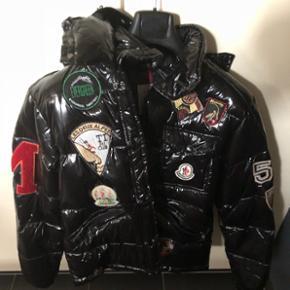 Neue Moncler Jacke grösse M