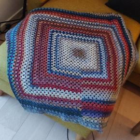 Håndhæklet tæppe
