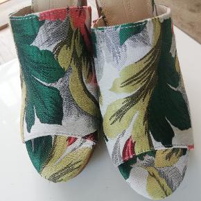 Plateau sandal fra asos Uden æske