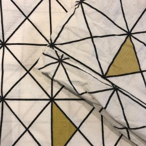 Mønstret bomulds sengetøj 2x pudebetræk + 2x dynebetræk  Fra mærket Night time