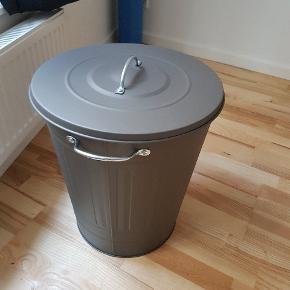 Fin vasketøjskurv fra IKEA. I god stand.
