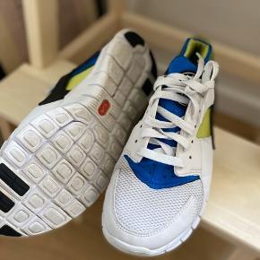 Nike Huarache. Str. 40 men SMÅ i størrelsen. Passes af en str. 38,5-39. Som nye
