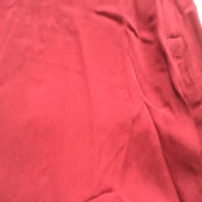 Helt ny kjole stadig mærke i. Med mesh ærmer og udskæring  Np 300 Mp 150