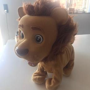 Interaktiv løve Koko, kan gå, brøle, sidde osv