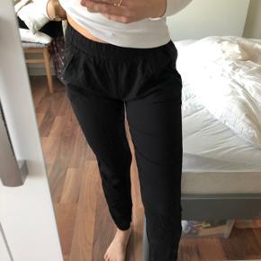 Lækre bukser. Fitter både xs & s
