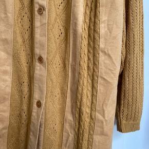 Vintage skjorte - svarer til str. L, oversize. Aldrig brugt af mig.