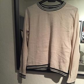 Sød bluse fra neo noir, str s
