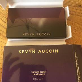 Helt ny og ubrugt Kevin Aucoin neo blush i farven Rose Clif! Så smuk en blush😍 Se gerne mine andre annoncer også🌸