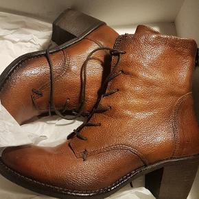 Belmondo heels