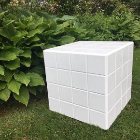 Flisebord. Hvid med hvid fuge. 40x40 cm. Aldrig brugt