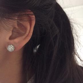 Fine øreringe fra Dyrberg/kern Sælges for 60kr plus porto
