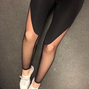 Tights fra Chopar i str. S med fed detalje på benene.