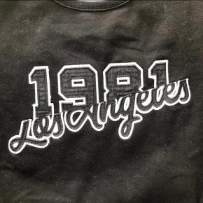 Sweater fra H&M   Str.: M