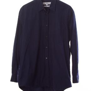 CDG skjorte Str L Stans: som ny 699 kr.