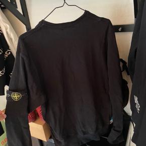 Stone sweatshirt:  Str XL Intet og  Mindstepris: 500kr. Søger hurtig handel.
