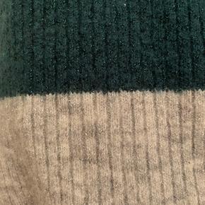 - Brugt få gange med en vask - grå og grøn med glitter tråd i