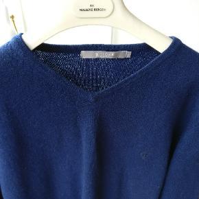 Lækker klassisk sweater i ren lammeuld model Nevillelam. Mp 300