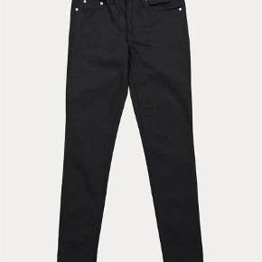 """Varetype: Jeans Størrelse: 32/32"""" Farve: Sort Oprindelig købspris: 900 kr.  Won Hundred jeans style Shady A Stay Black str. 32/32"""