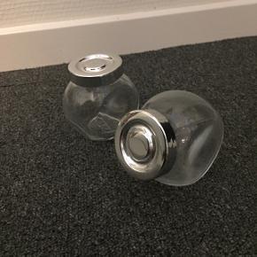 Små glas beholdere fra Ikea - 2 stk. 2*8 cm - 10 kr pr. Stk