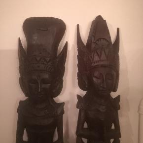 Har to smukke masker/figur i træ prisen er 800 kr stk eller begge for 1200 kr