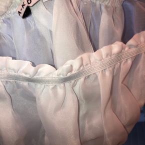 Hvid nakd top med puf ærmer, aldrig brugt, BYD🌸