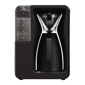 Bodum kaffemaskine 1,2 L.  Pæn og stilren kaffemaskine. Brugt tre gange. Nypris. 1000.  Husk at tjekke mine andre annoncer for lækre designs ❤️  Prisen er fast. Porto ikke inkl.
