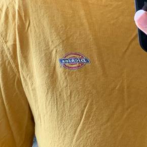 Sælger min Dickies trøje, da jeg ikke har brugt den, næsten som ny.