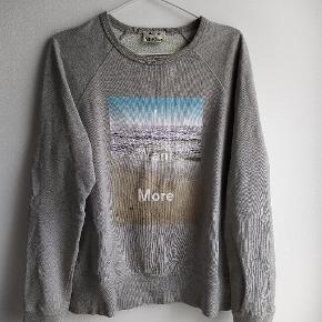 Acne Studios sweatshirt brugt, med små tegn på slid