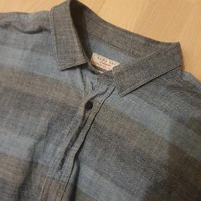 Denim skjorte fra Zara Brugt få gange stadig top stand  Size M