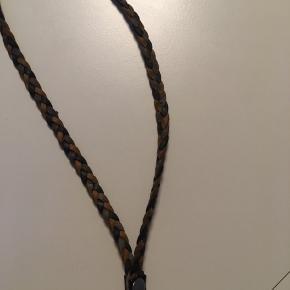 Ægte læder, kan bruges som mobilholder eller andet
